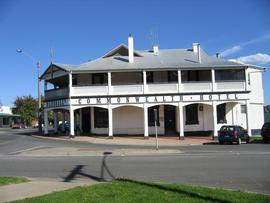 Commonwealth Hotel - Accommodation in Brisbane