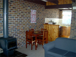 Warrawee Holiday Units - Accommodation in Brisbane