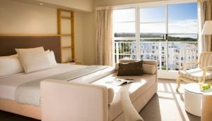 Quality Suites Deep Blue - Accommodation in Brisbane