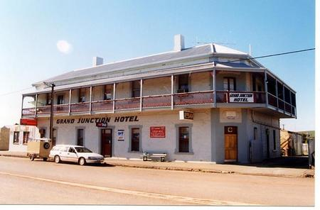 Grand Junction Hotel - Accommodation in Brisbane