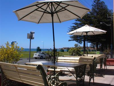 Anchorage At Victor Harbour Seafront Hotel