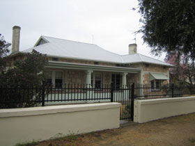 Naracoorte Cottages - MacDonnell House - Accommodation in Brisbane