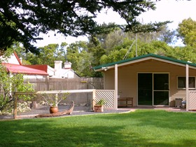 Shiralea Country Cottage - Accommodation in Brisbane