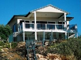 Top Deck Cliff House - Accommodation in Brisbane