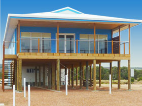 Lincoln View Holiday Home - Accommodation in Brisbane