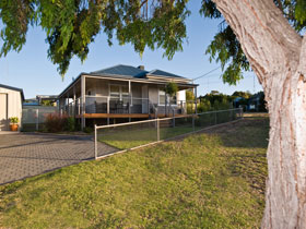 Serenity Holiday House - Accommodation in Brisbane