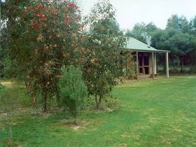 Murray's Country Cottages - Accommodation in Brisbane