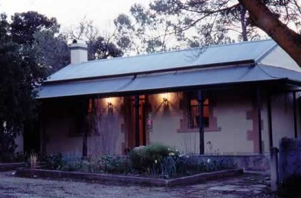 Walnut Cottage - Accommodation in Brisbane