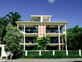 Cairns Beachfront Apartment - Accommodation in Brisbane