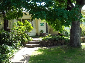 Magnolia Cottage BB - Accommodation in Brisbane