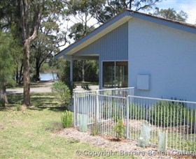 Berrara Beach Cottage - Accommodation in Brisbane
