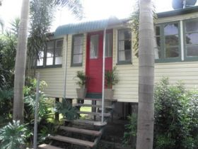 The Red Ginger Bungalow - Accommodation in Brisbane