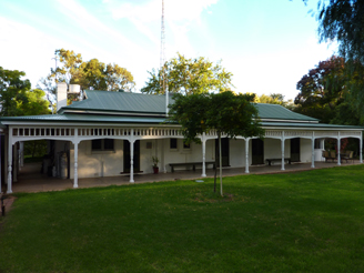 Lake Victoria Station Lodge - Accommodation in Brisbane