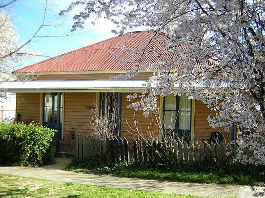 Cooma Cottage - Accommodation - Accommodation in Brisbane