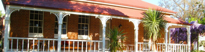 Araluen Old Courthouse Bed and Breakfast - Accommodation in Brisbane