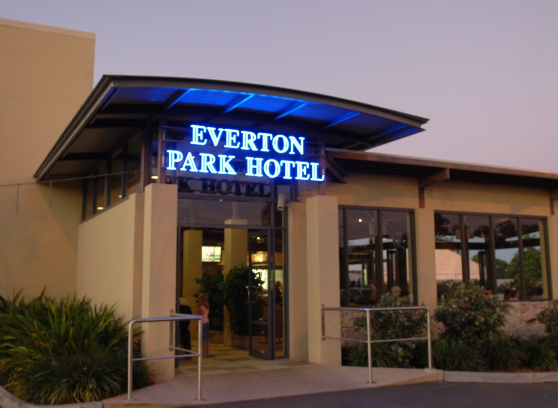 Everton Park Hotel - Accommodation in Brisbane