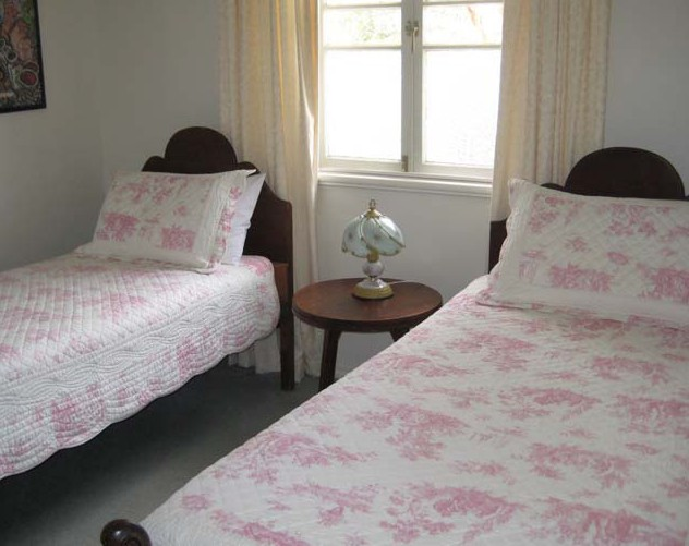 Hope Cottage Country Retreat At Assmanshausen Winery - Accommodation in Brisbane