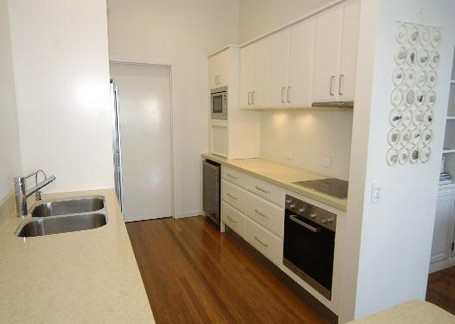 Claytons on Cylinder Beach Front Apartments - Accommodation in Brisbane