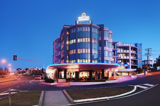 Grand Palais Beachside Resort - Accommodation in Brisbane