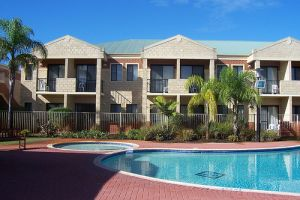 Country Comfort Inter City Perth Hotel  Apartments - Accommodation in Brisbane