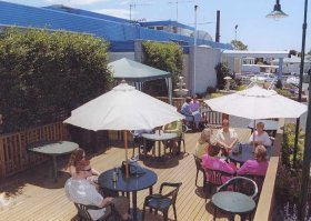 Top Of The Town Hotel - Accommodation in Brisbane