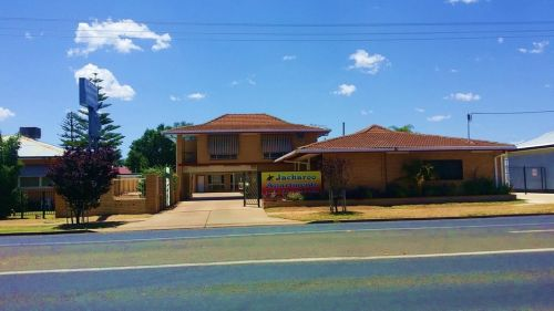 Jackaroo Apartments