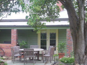 Bell Cottage - Accommodation in Brisbane