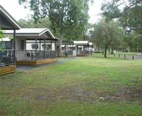 Beachfront Caravan Park - Accommodation in Brisbane