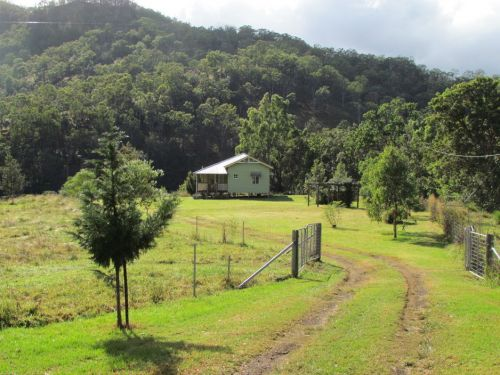 Eighteen Mile Cottage and Homestead