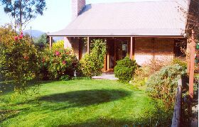 Canowindra Cottage - Accommodation in Brisbane