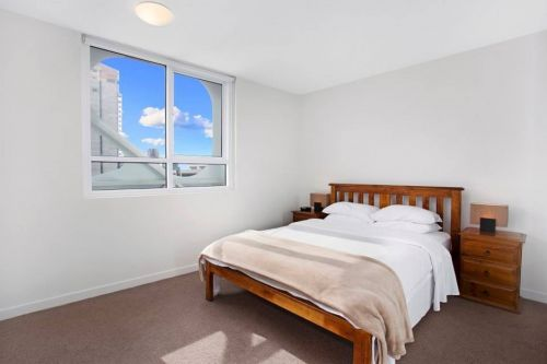 Astra Apartments - Melbourne Docklands - Accommodation in Brisbane