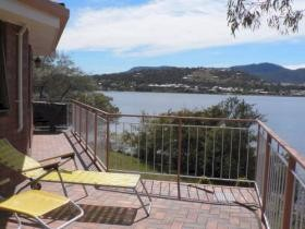 Derwent Retreat - Accommodation in Brisbane