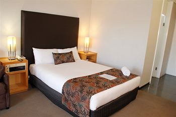 Sandown Regency - Accommodation in Brisbane