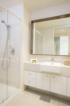 Melbourne Short Stay Apartments on Whiteman - Accommodation in Brisbane