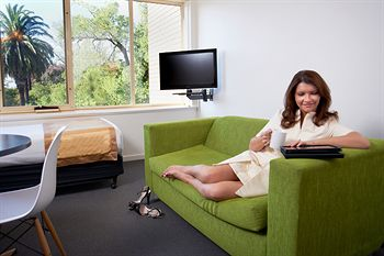 City Edge Serviced Apartments East Melbourne - Accommodation in Brisbane