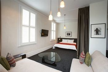 Middle Park Hotel - Accommodation in Brisbane