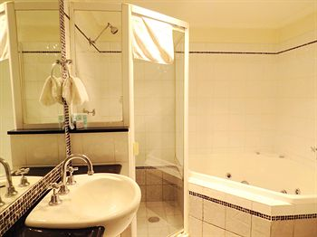 Waldorf Randwick Serviced Apartments - Accommodation in Brisbane
