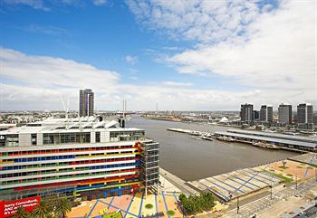 Astra Apartments - Docklands - Accommodation in Brisbane