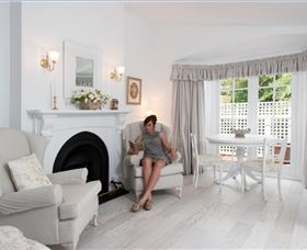 White Dove Cottage Bed and Breakfast - Accommodation in Brisbane
