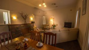 Benson House and Benson Lodge - Accommodation in Brisbane