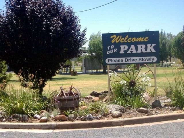 Country Club Caravan Park - Accommodation in Brisbane