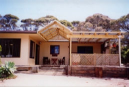 Lovering's Beach Houses - D'Estrees Bay - Accommodation in Brisbane