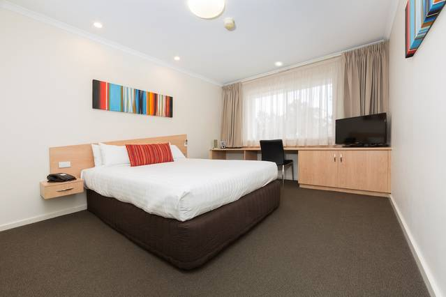 Premier Hotel & Apartments - Accommodation in Brisbane