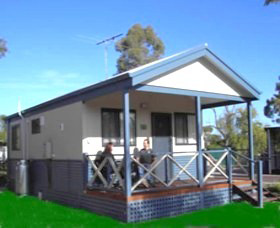 Pinjarra Cabins and Caravan Park - Accommodation in Brisbane