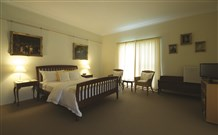 Yarrahapinni Homestead - Accommodation in Brisbane