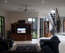 Dolphin Beach House - Accommodation in Brisbane