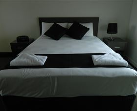 Dooleys Tavern and Motel Capella - Accommodation in Brisbane