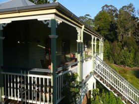 The Sanctuary Springbrook. Guest House / Cottage - Accommodation in Brisbane