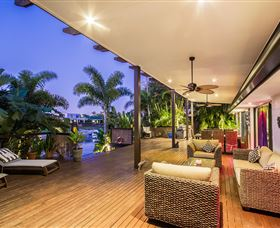 The Tropics at Vogue Holiday Homes - Accommodation in Brisbane