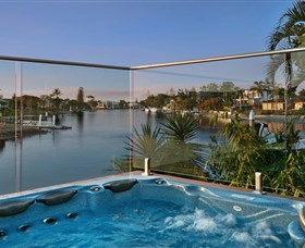 Sanctuary on Water Elite Holiday Home - Accommodation in Brisbane